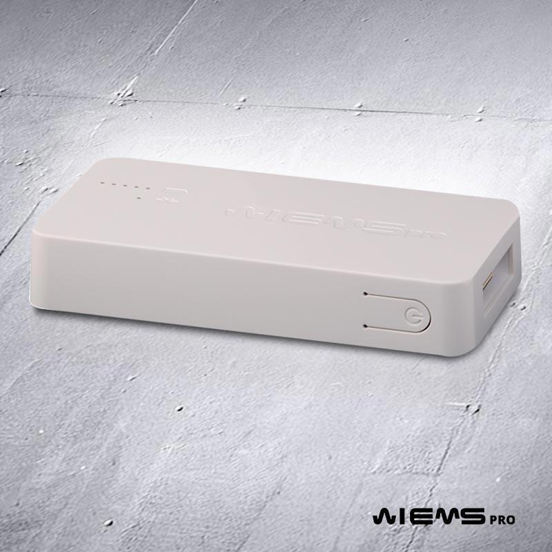 EMS dispositivo di controllo - Il nostro dispositivo di controllo permette alla nostra applicazione di comunicare con le nostre tute in modalità Bluetooth 4.0. Fino a 8 ore di autonomia.