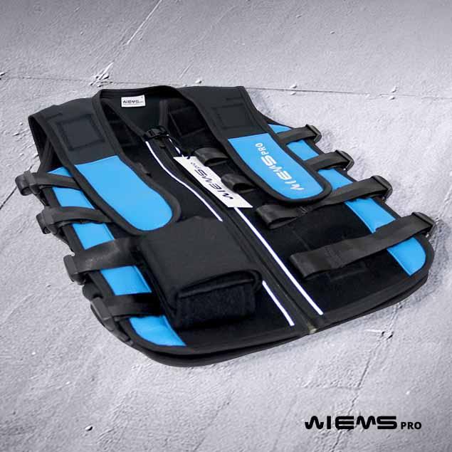 Jacket EMS regolabile blue - Se siete dei preparatori atletici i nostri Jacket EMS sono dedicati alla vostra professione perché permette di allenare più atleti.
